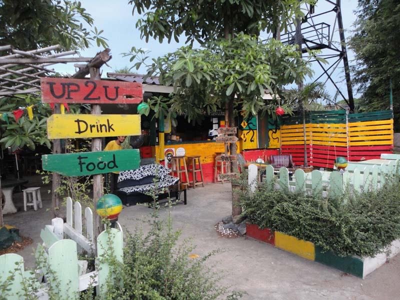 Bar Rasta en Thailande - exemple du rayoinnment de la culture jamaïcaine . Crédit : Stéphane Delphin